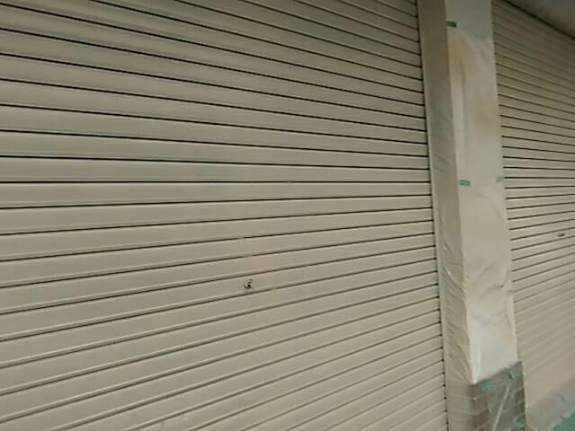 尼崎市 店舗 シャッター塗装